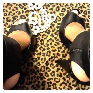 Leather Aldo open toe shoes